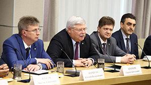 Губернатор Сергей Жвачкин встретился с ведущими российскими архитекторами